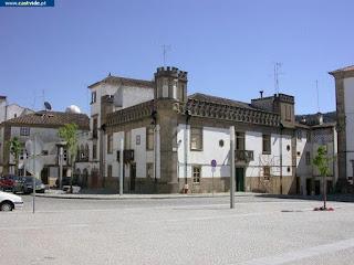 BUILDING / (3) Casas Antigas, Praça D. Pedro V, Castelo de Vide, Portugal