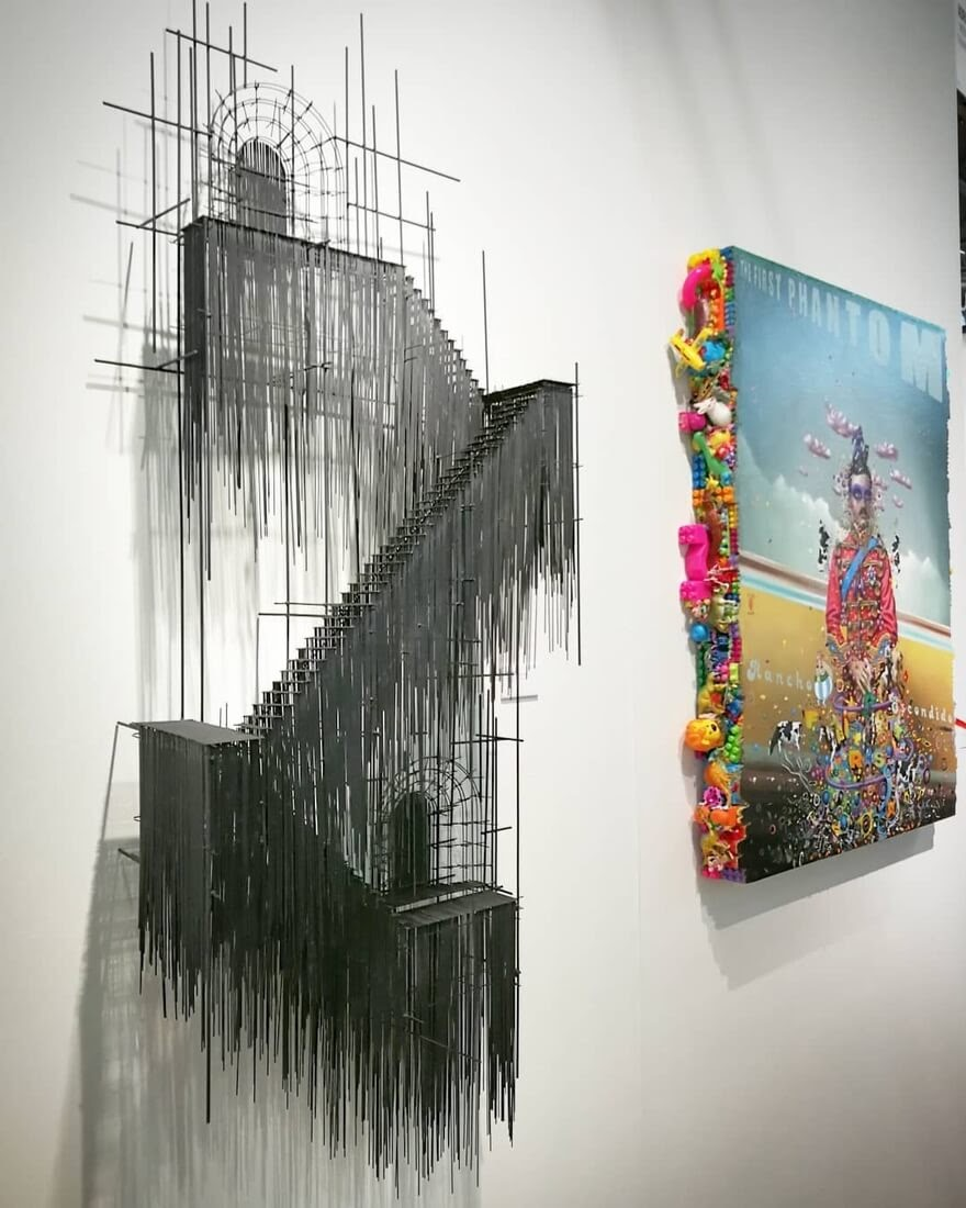 10-David-Moreno-Sketching-Architectural-Sculptures-with-Wire-www-designstack-co
