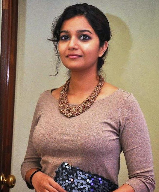 Swathi-reddy-actress-wallpapers1
