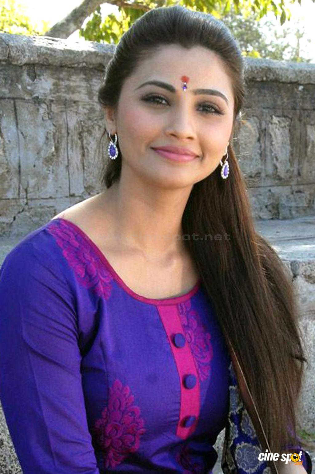 Indian Desi Hot Sexy Girls: Indian Beautiful Desi Girls 2015