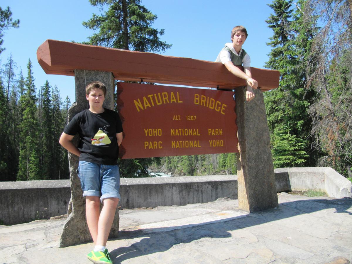 Natural Bridge - que ver en Yoho National Park