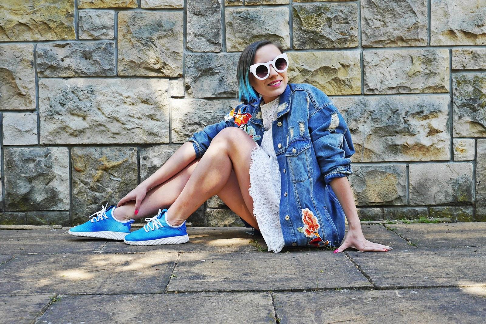 2_footway_adidas_pharell_williams_holi_hu_tennis_blue_sukienka_koronkowa-jeansowa_kurtka_140518