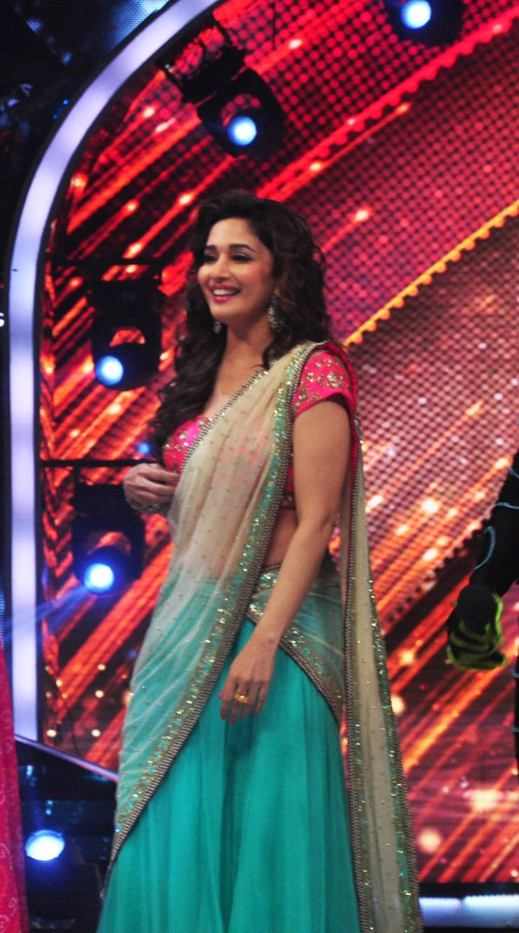 Glamours Indian Actress Madhuri Dixit Latest Hot Photos In Green Half Saree