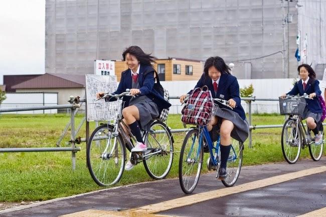 暇つぶしログ 暇つぶしログ: 自転車女子高生② <<暇つぶしログ>> 画像やら思った... 暇つ