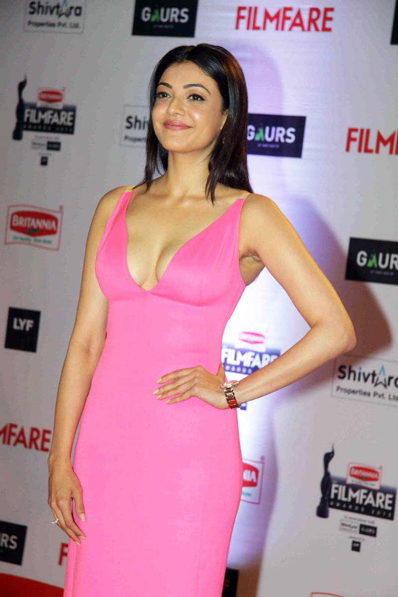 Kajal Aggarwal Spicy Photos at Filmfare Awards In Pink Dress