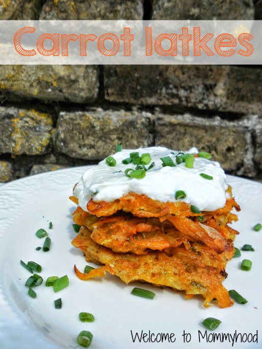 Healthy Breakfast Recipes: Paleo Carrot Latkes by Welcome to Mommyhood #HealthyBreakfastRecipes, #paleo, #latkes