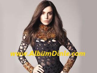 Şarkıcı Gülşen'in Fotoğrafı