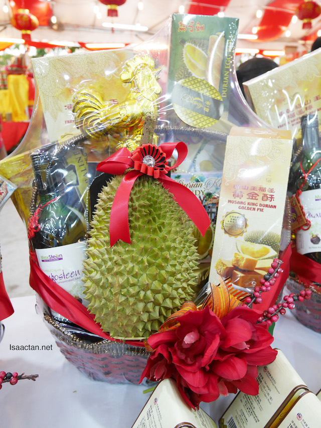 DKING CNY Durian Goodies Hamper : Celebrating The Year of the Rooster
