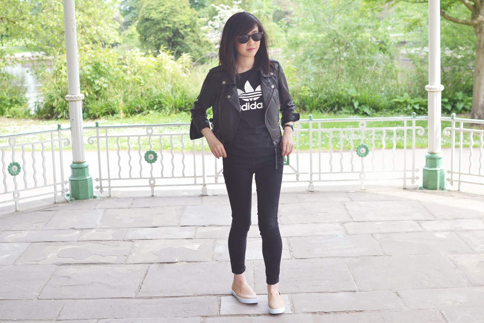 monochrome outfit fashion blogger uk