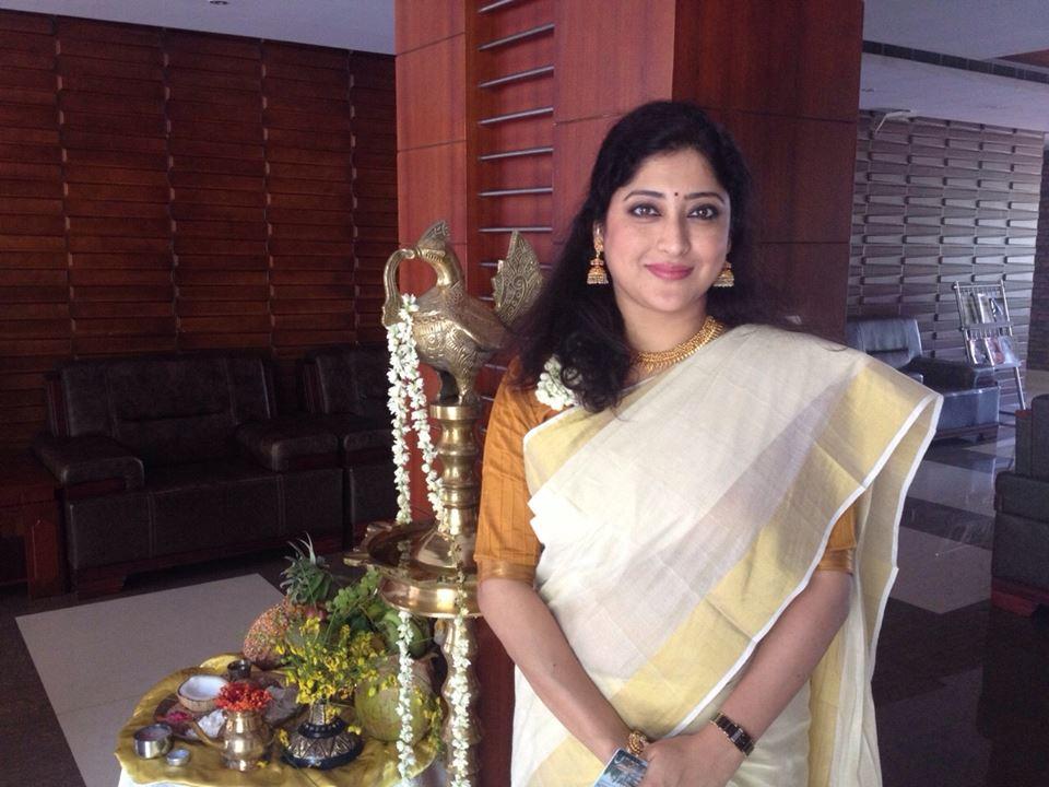 Lakshmi Gopalaswami: Actress Lakshmi Gopalaswamy Latest Photos In Set Saree