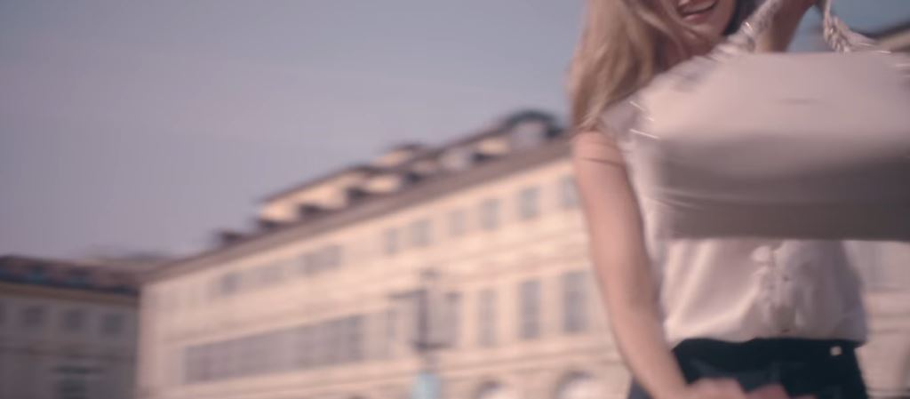 Modella Liu Jo pubblicità borsa 'Sei Mia' - Come si chiama la ragazza bionda?