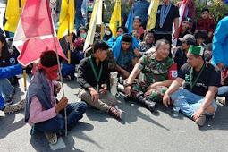Sejumlah Mahasiswa di Balikpapan Lakukan Aksi Demo Mengenai Masalah RPU