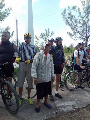 Зустріч учасників велопробігу у Велетенському