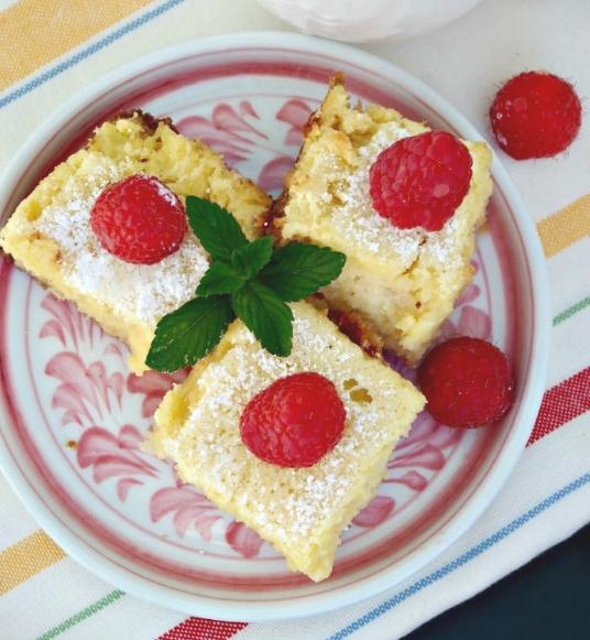 LEMON BARS {LOW CARB & GLUTEN FREE} #dessert #cake