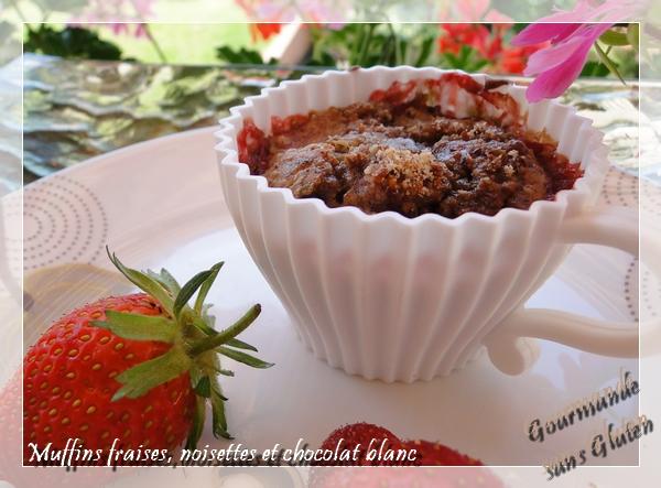 Muffins fraises, noisettes et chocolat blanc