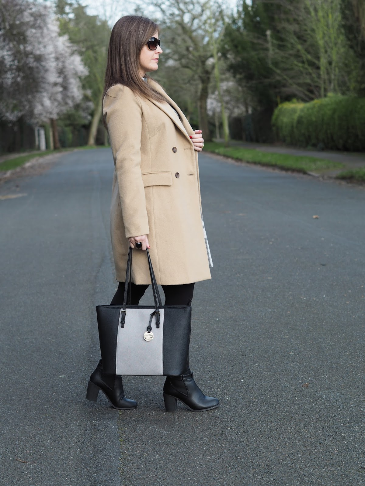 Jane Shilton Carolina colour block tote Cellini New Look camel coat