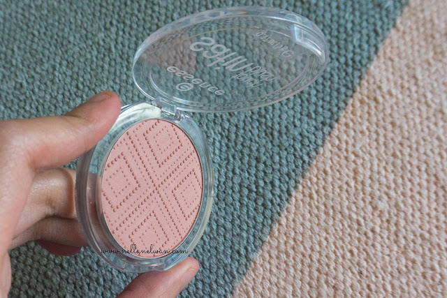 essence satin touch blush satin love review blogger indonesia nellanelwan