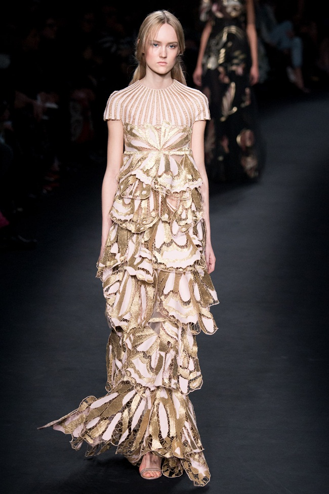 Valentino 2015 AW Baroque Bronze-Lace Layered Gown on Runway