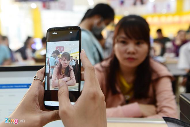 Bộ TT&TT đề xuất bỏ yêu cầu chụp ảnh chân dung chủ thuê bao di động