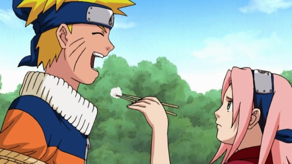 Sakura da de comer a Naruto