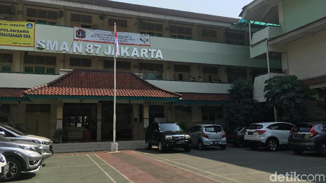Diadukan Doktrin Anti-Jokowi, Guru Nelty: Mungkin Salah Tafsir Saja