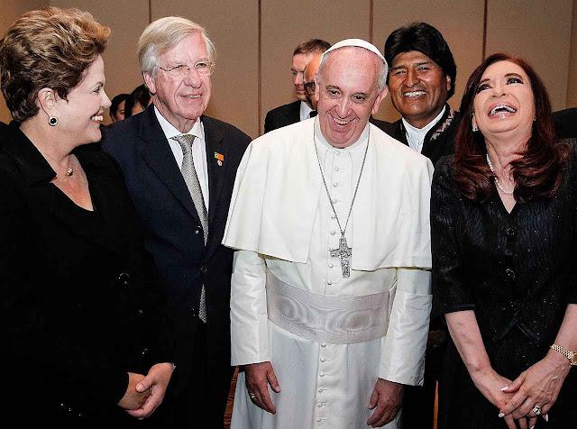 No Rio, na JMJ 2013, Para Francisco com Dilma, Cristina, Evo Morales e o vice-presidente do Uruguai
