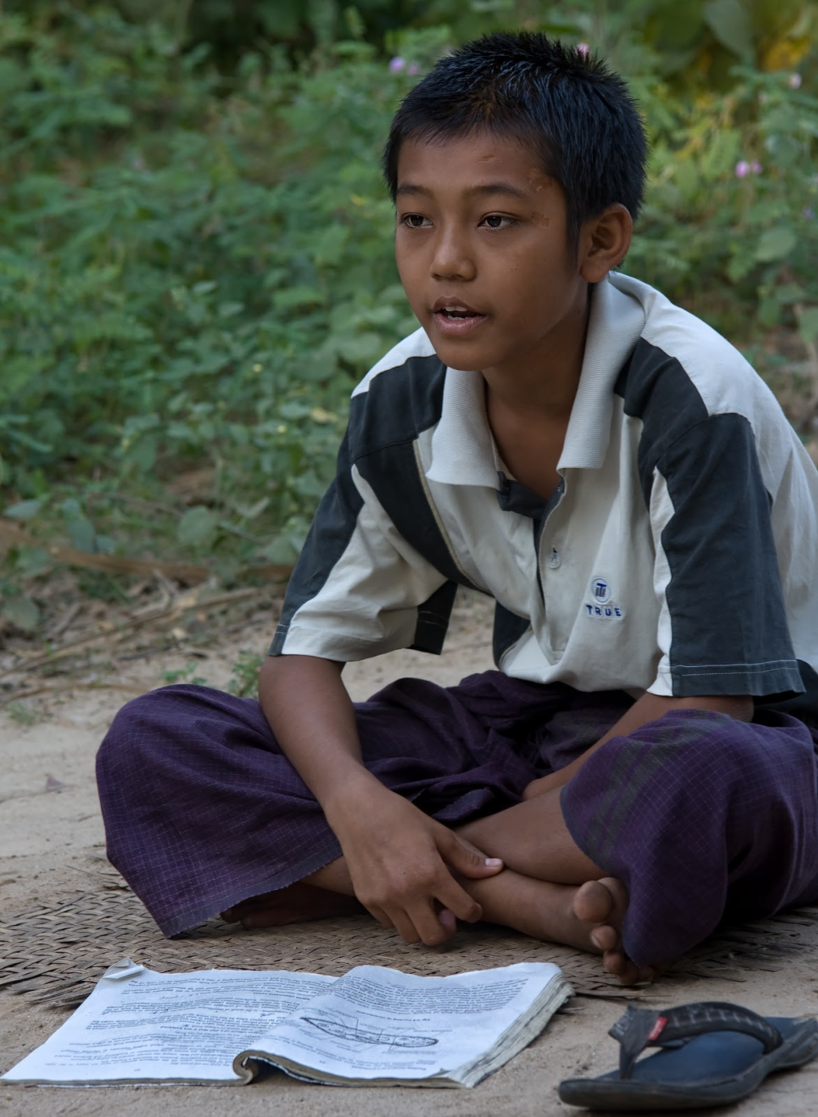 chłopiec,droga,zeszyt,bagan,birma