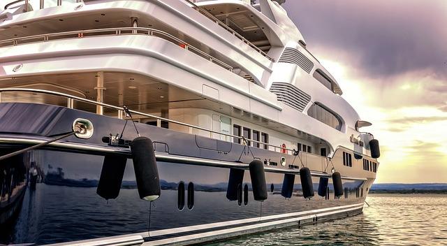 obliczanie wlasnej wartosci netto, luksusowy jacht