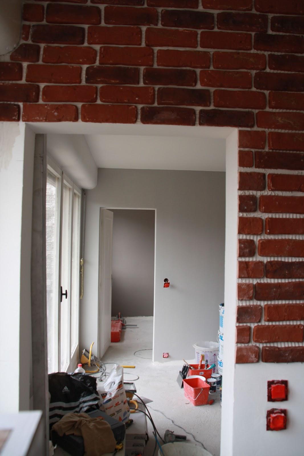 Cuisine Mur Brique Rouge | Pose D 39une Cuisine Et Mur De Parement ...