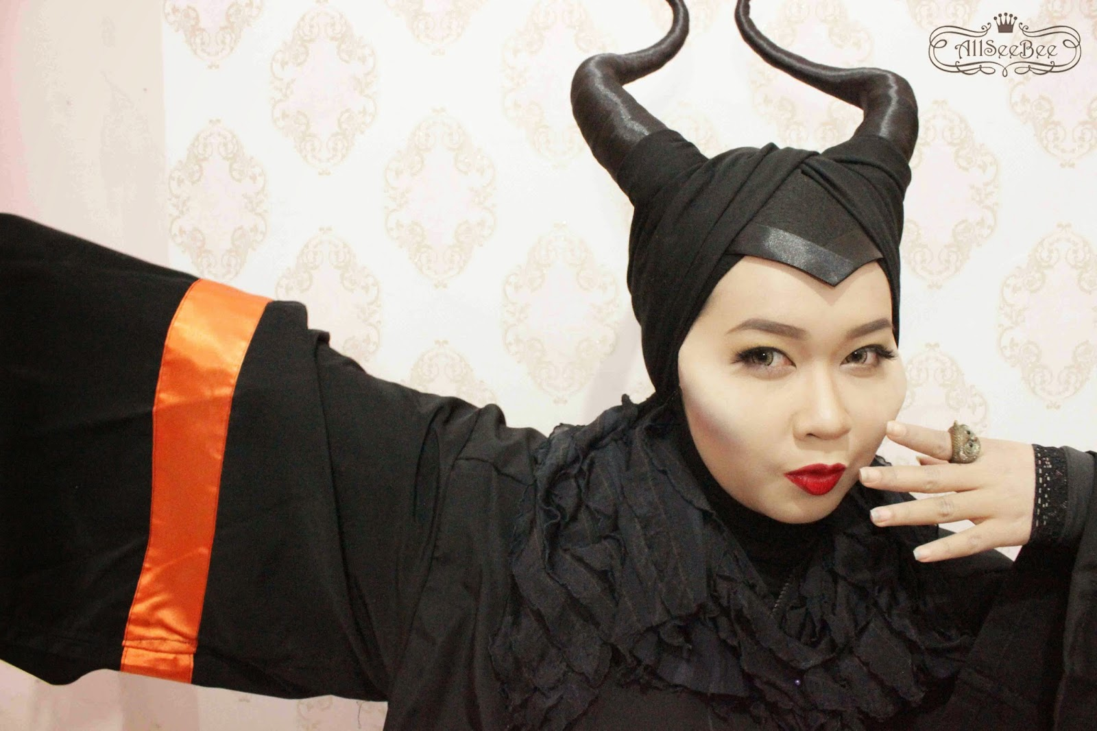Angelina Jolies Disney Maleficent Makeup Maleficents Horns