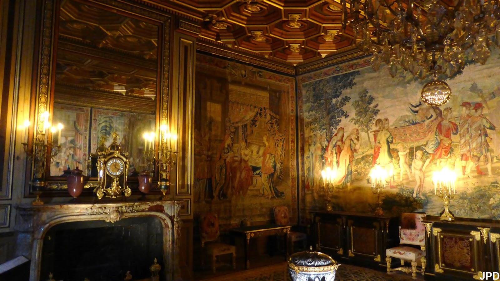 Paris bise art ch teau de fontainebleau 7 vers la for Pendule salle a manger