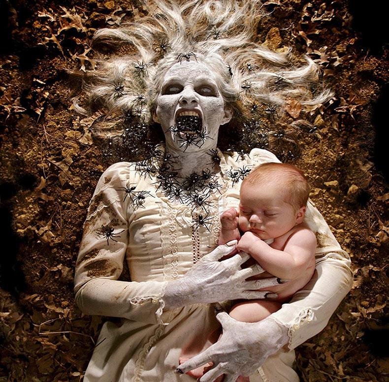 Papá fotógrafo crea horrorosas fotos junto con sus hijas