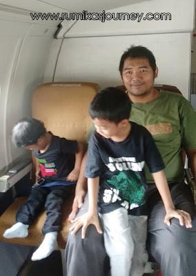 kursi penumpang di pesawat garuda museum transportasi tmii