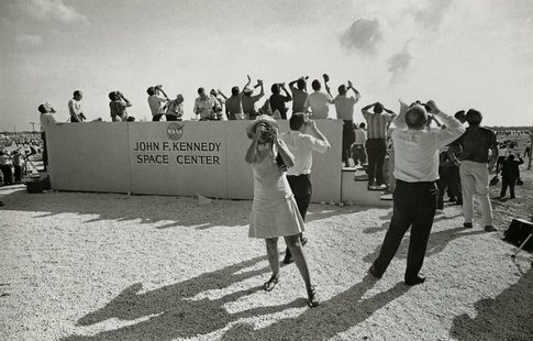 Garry Winogrand, Apollo 11 Moon Shot,