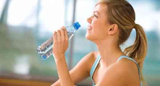Manfaat minum air putih akan dirasakan khasiatnya apabila air putih yang kita minum tersebut dikatakan sehat dan menyegarkan bagi tubuh. Nah, apakah air putih yang anda minum itu sehat ? Ketahui beberapa hal ini.