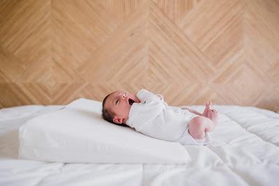 consejos evitar despertar nocturno por tos y mocos blog mimuselina cuña anti reflujo antirreflujo almohada dormir inclinado bebé