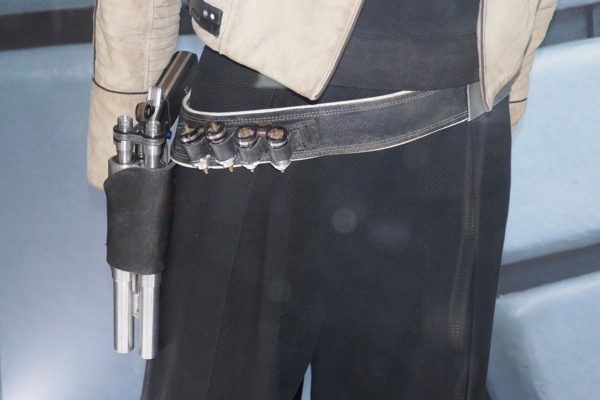 Qira holster detail Solo Star Wars