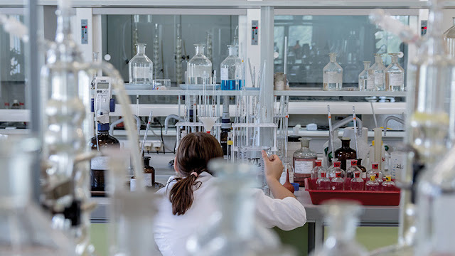 La polémica empresa de la 'Steve Jobs de la biotecnología' evita por los pelos la bancarrota