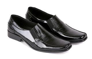 jual sepatu kerja pria,sepatu kerja pria hitam,sepatu kantor pria lancip,model sepatu pantofel pria,sepatu aladin pria kulit asli,gambar sepatu kerja handmade kulit,sepatu kerja cibaduyut online