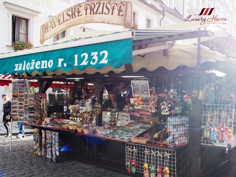praha havelske trziste outdoor market souvenir shopping