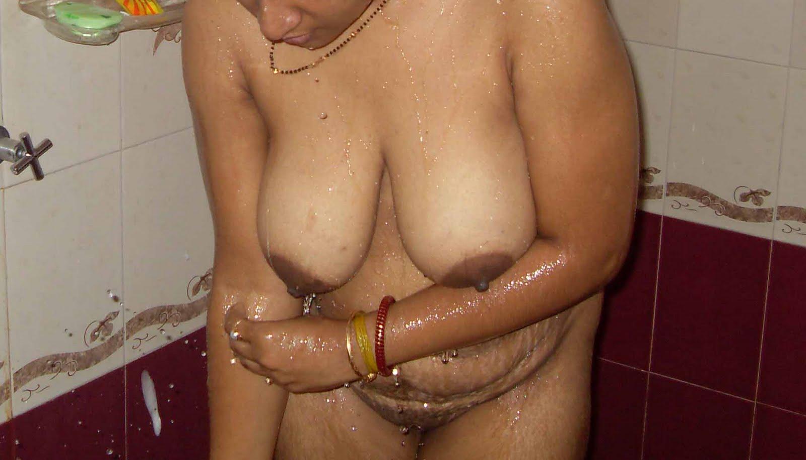 Andhra aunty blowjob and saree strip - 5 3