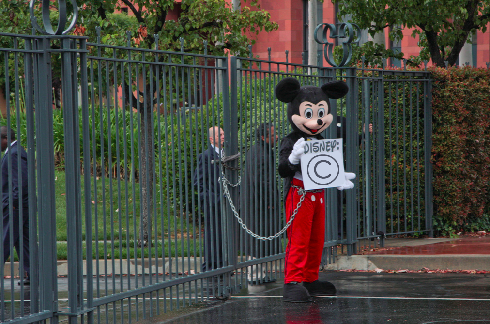 Mickey-Mouse-Copyright