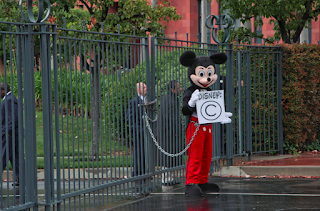 Protest Mickey