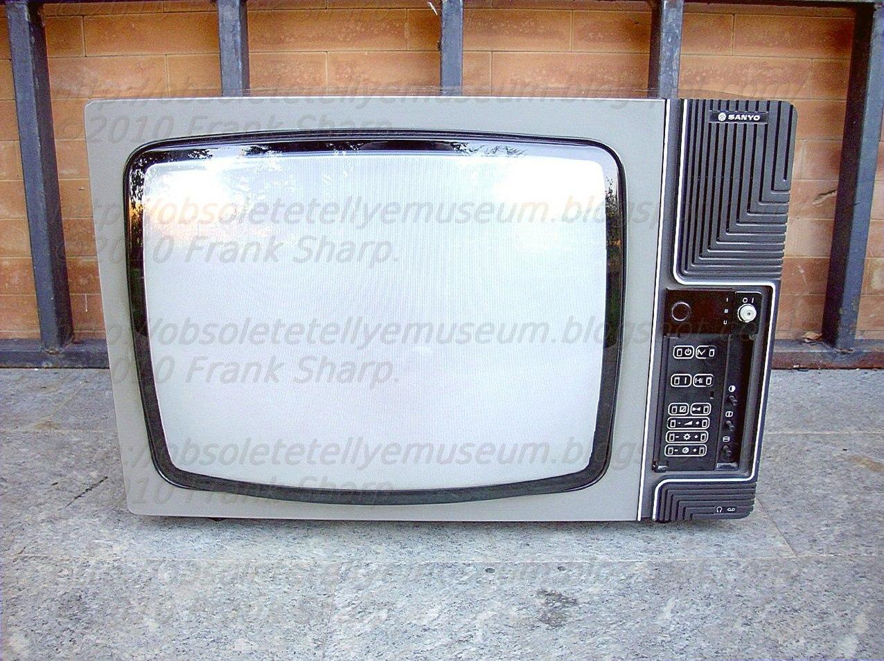 Obsolete Technology Tellye !: SANYO MODEL CTP6240 YEAR 1979