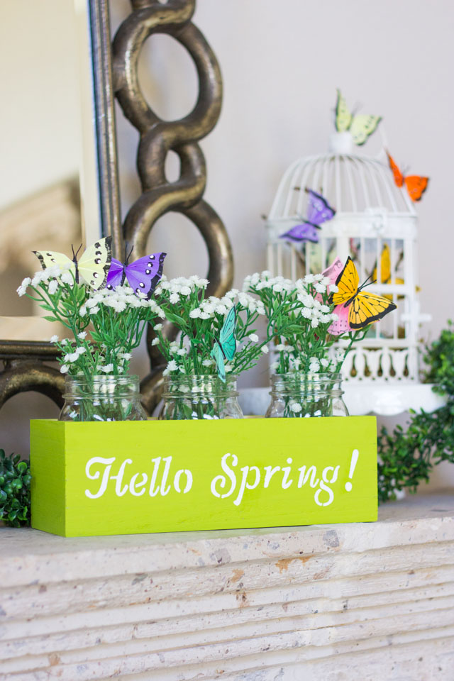 Hello Spring! Love this pretty mason jar spring centerpiece!