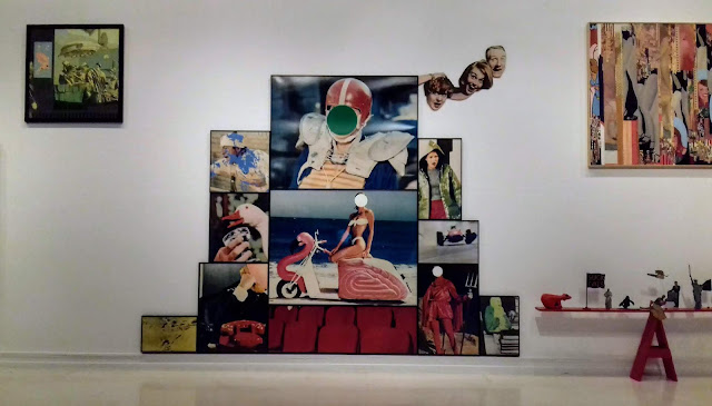 """Vista de la exposición """"Tiempo convulsos"""", en el IVAM, con una obra de John Baldessari"""