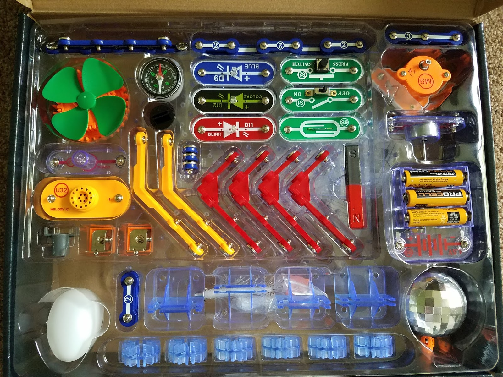 The Abcd Diaries Elenco Snap Circuits 3d Meg Kit Stem Learning Fun This Has Several Of Same Base Pieces As Other Sets But Adds Tons New Component Parts For Even More Awesome Experiments