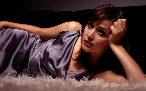 Rose Byrne pic