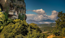Most Beautiful Houses In The World Meteora Cliffs