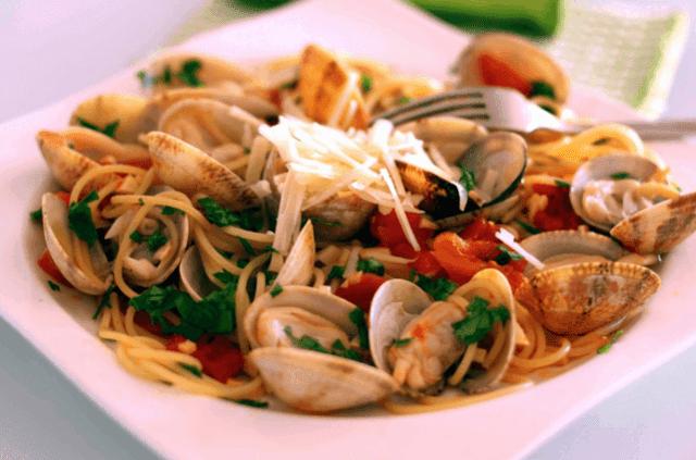 receta de espageti y almejas